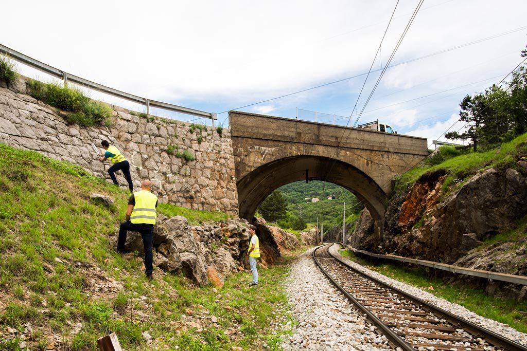 Evidencija postojećeg stanja potpornih zidova županijskih cesta Primorsko-goranske županije u GIS-u